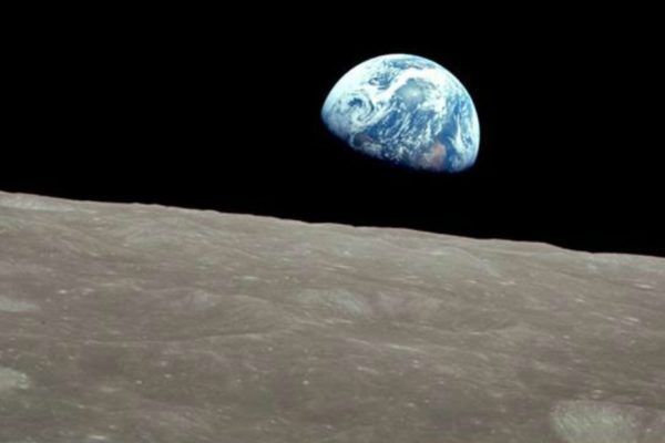 This must be the place (earthrise)